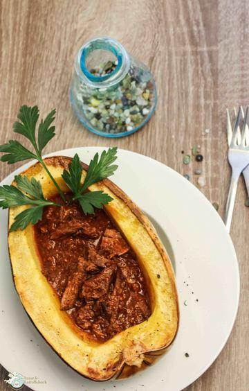 Rezept Gebackener Spagettikürbis mit Pulled Beef