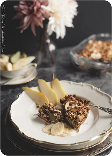 Rezept Gebackenes Frühstücksmüsli mit Banane und Birne