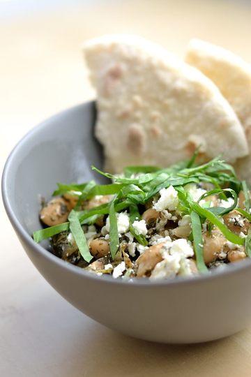 Rezept Gebratene weiße Bohnen mit Feta, Sauerampfer und Sumach