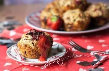 Rezept Geburtstagsmuffins mit Erdbeeren, Banane und Schokolade