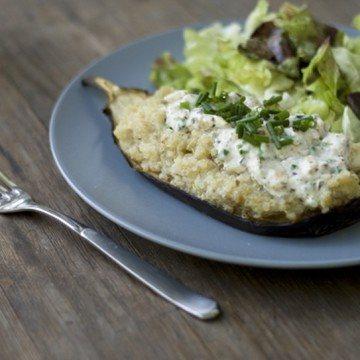 Rezept Gefüllte Aubergine mit Quinoa, Ziegenfrischkäse und Honignüssen