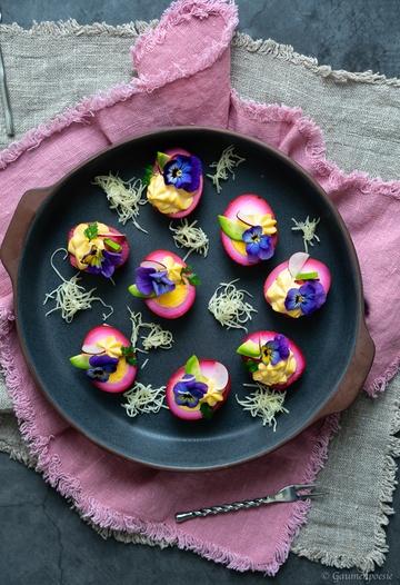 Rezept Gefüllte Rote-Bete-Eier - Red Deviled Eggs