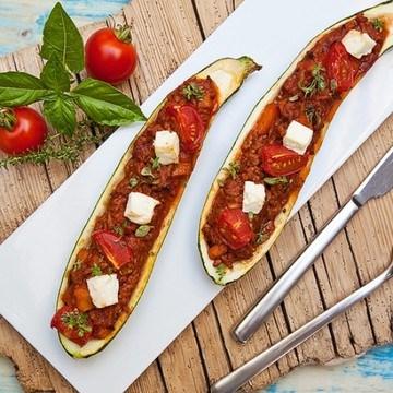 Rezept Gefüllte Zucchini mit Bolognese Ragout Rezept