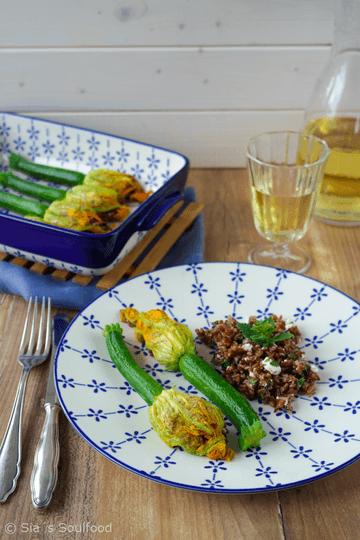 Rezept Gefüllte Zucchiniblüten mit rotem Reis und Feta