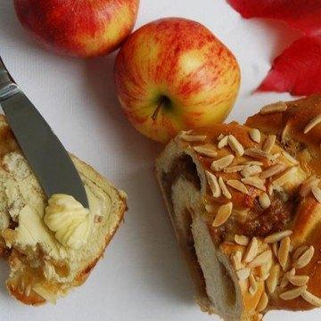 Rezept Gefüllter Apfel-Hefezopf