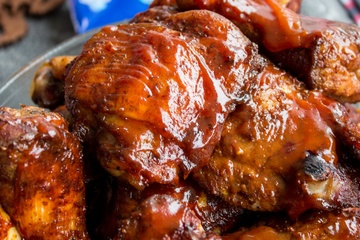 Rezept gegrillte BBQ Hähnchenkeulen vom Smoker oder Backofen