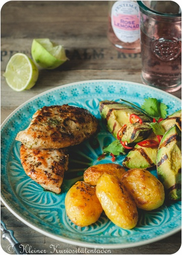 Rezept Gegrillte Hähnchenbrust mit Avocado und Rosmarinkartoffeln