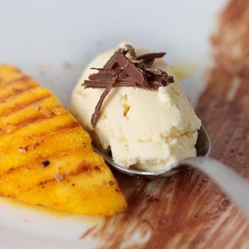 Rezept Gegrillte Mango mit Sauerrahm-Orangen-Eis