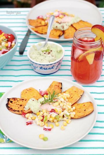Rezept Gegrillte Süßkartoffel mit Maissalat und Dips