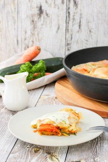 Rezept Gemüsestrudel mit Käsesauce