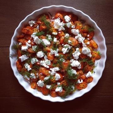 Rezept Geröstete Karotten mir Kreuzkümmel, Honig-Zitronen-Dressing und Ziegenkäse