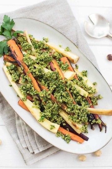 Rezept Geröstete Pastinaken und Karotten mit Haselnuss Gremolata