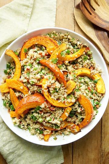 Rezept Gerösteter Hokkaido-Kürbis auf Quinoa-Salat mit Mandeln