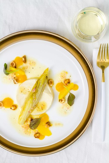 Rezept Geschmorter Chicorée | Selleriepüree | Chili-Haselnüsse | Passionsfrucht-Gel | Orangen-Vinaigrette