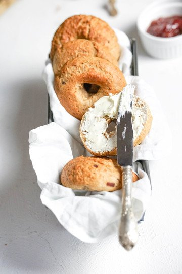 Rezept Gesunde Bagel mit Dinkelvollkorn, Datteln und Zimt