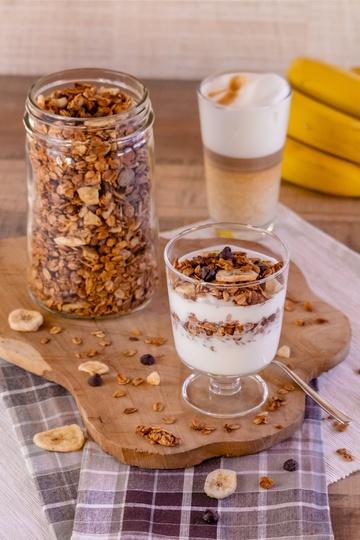 Rezept Gesundes Knuspermüsli mit Schoko und Banane (ohne Zucker)