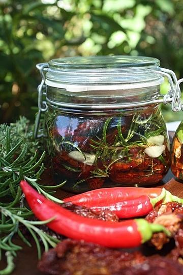 Rezept Getrocknete Tomaten in Kräuteröl