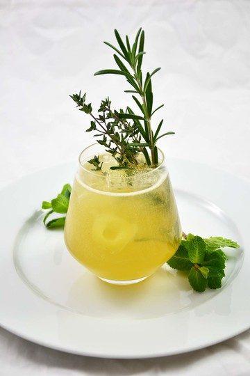 Rezept Gin mit Kräutern und Birne