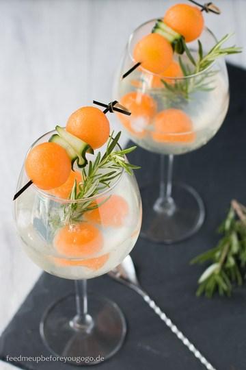Rezept Gin & Tonic mit Melone, Gurke und Rosmarin