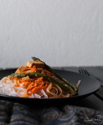 Rezept Glasnudeln mit grünem Spargel & Tofu