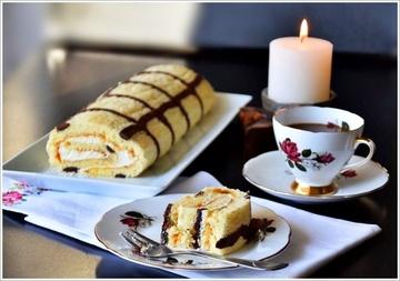Rezept Glutenfrei & Low Carb Aprikosen-Biskuitrolle