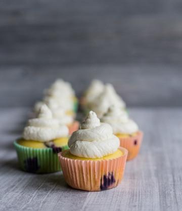 Rezept glutenfreie Cupcakes mit Sahne-Frischkäse-Topping