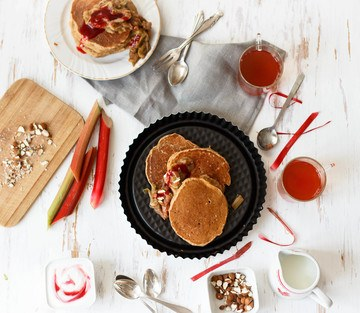 Rezept Glutenfreie Teff-Pancakes mit Rhabarberkompott
