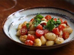 Rezept Gnocchi mit karamellisierter Kirschtomate in Rosmarinbutter