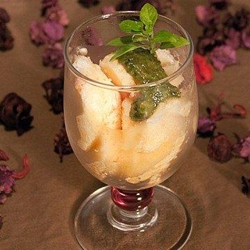 Rezept Grapefruitsorbet mit süßen Basilikumpesto