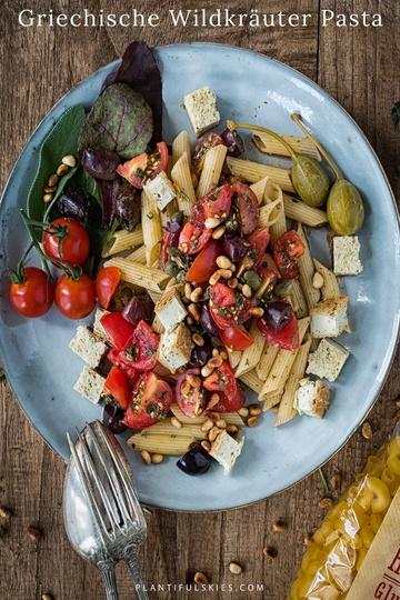 Rezept Griechische Wildkräuter Pasta mit gebackenem Cashew Feta – glutenfrei