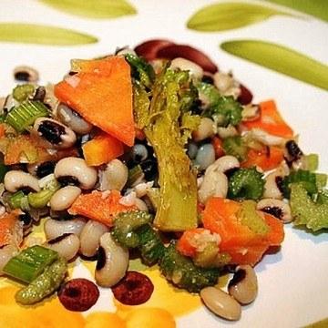 Rezept Griechischer Salat mit Augenbohnen