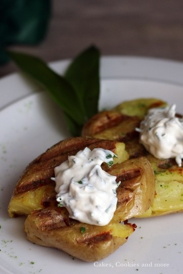 Rezept Grilled smashed potatoes mit Bärlauchsalz