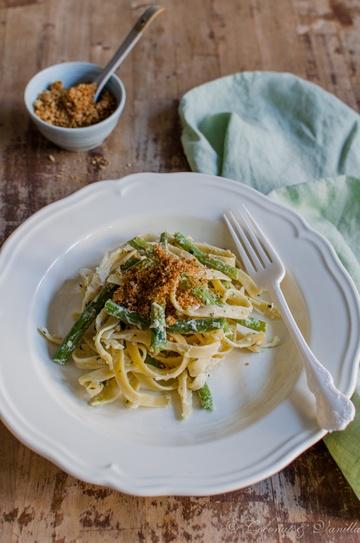 Rezept grüne Bohnen mit Zitronenpasta und Knoblauchbröseln