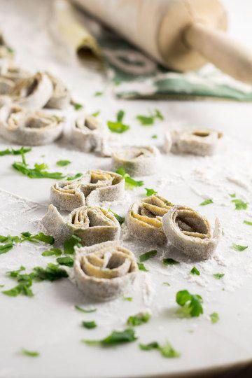Rezept Grüne Pasta selber machen - mit Oma's Gartenkräutern