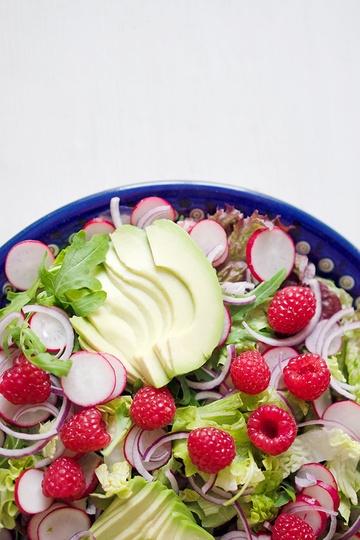 Rezept Grüner Salat mit Avocado und Himbeerdressing