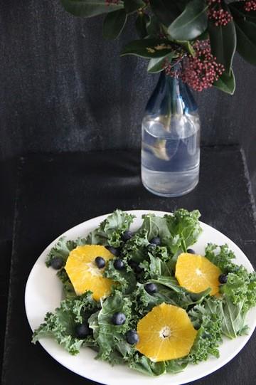 Rezept Grünkohl-Blaubeer-Salat mit Orangen