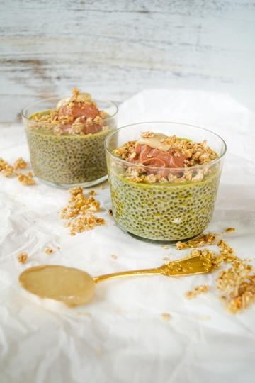 Rezept Grüntee Chiapudding mit Walnuss Nougat Sahne und Cashewmus