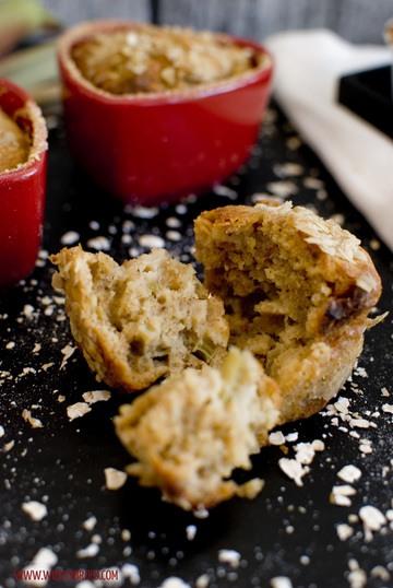 Rezept Hafer-Muffins mit Rhabarber und weißer Schokolade