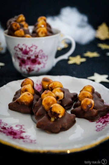 Rezept Haselnuss Christbäume – eine karamellige Überraschung