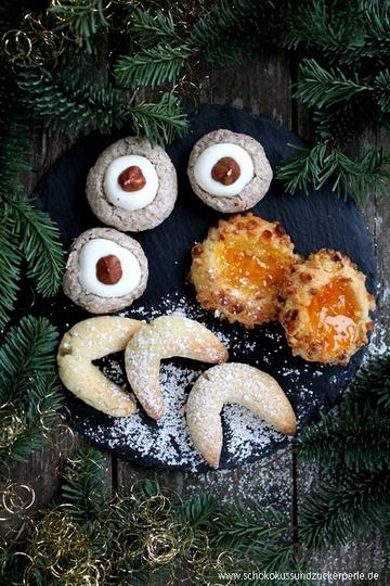 Rezept Haselnussbällchen, Vanillekipferl & Aprikosen-Mandel-Kekse