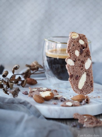 Rezept Hauchdünne Mandel-Kekse mit Kakao-Nibs