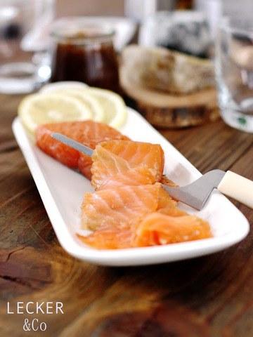 Rezept Hausgebeizter Lachs mit Lachs und Wacholder