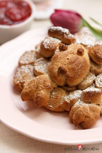 Rezept Hefeteig-Schäfchen zum Osterfest