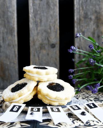 Rezept Heidelbeer-Zitrone Doppeldecker, mit Weiße Schokolade-Buttercreme