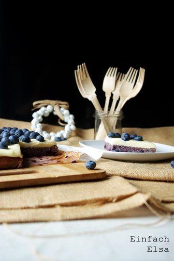 Rezept Heidelbeerkuchen mit Frischkäse-Schoko-Frosting