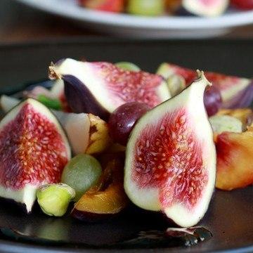 Rezept Herbstlicher Feigen-Salat mit Rotweinsauce