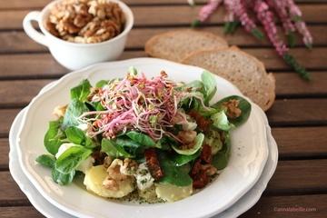 Rezept  Herbstlicher Kartoffel-Feldsalat mit Feta und Walnüssen