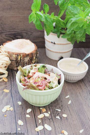 Rezept Herbstsalat mit Mandeln und karamellisierten Zwiebeln