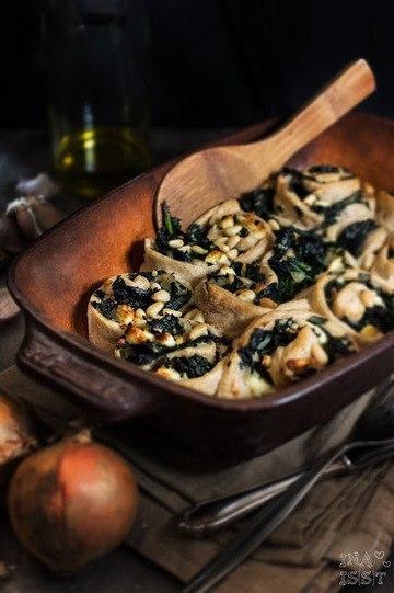 Rezept Herzhafte Hefeschnecken mit Spinat und Feta