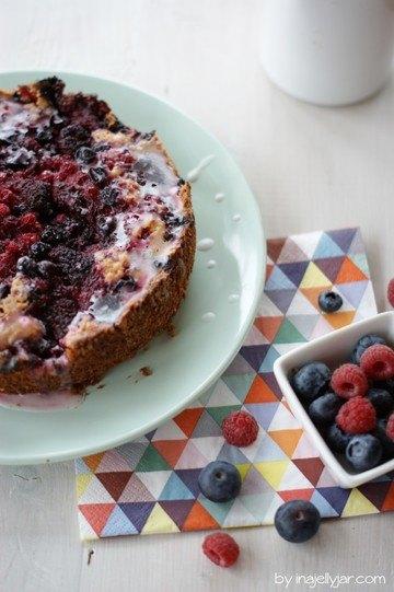 Rezept Himbeerkracherl-Kuchen mit Waldbeeren